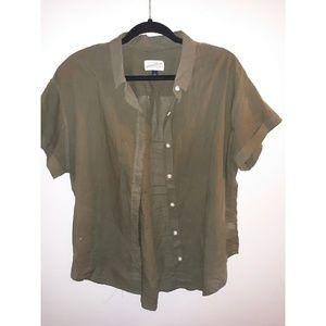 NWOT Target Universal Thread button down shirt